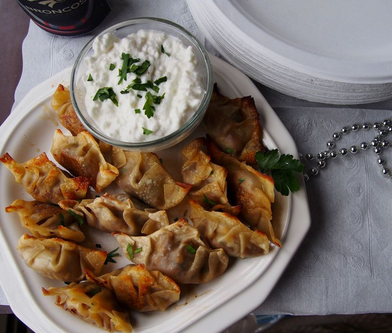 Super-Bowl-Cheeseburger-Wontons
